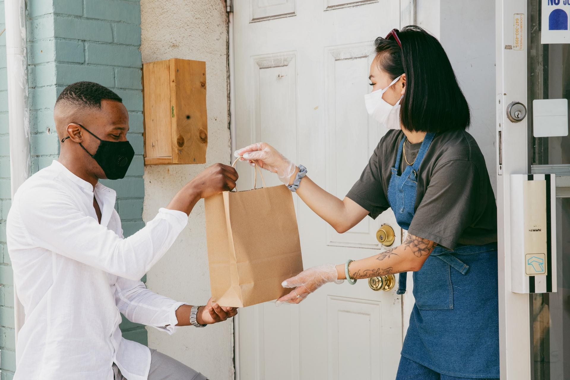 Curbside Pickup & Delivery: Complete Guide