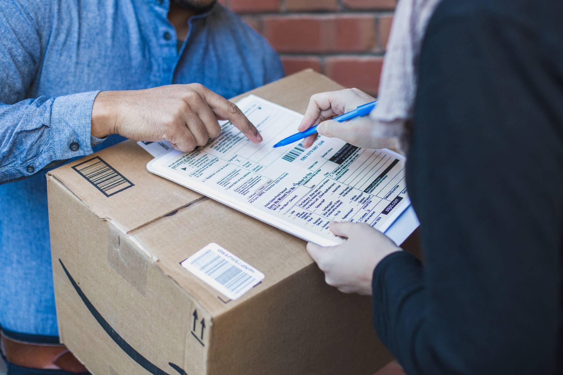 Delivery Exceptions: Meaning & How to Handle Them