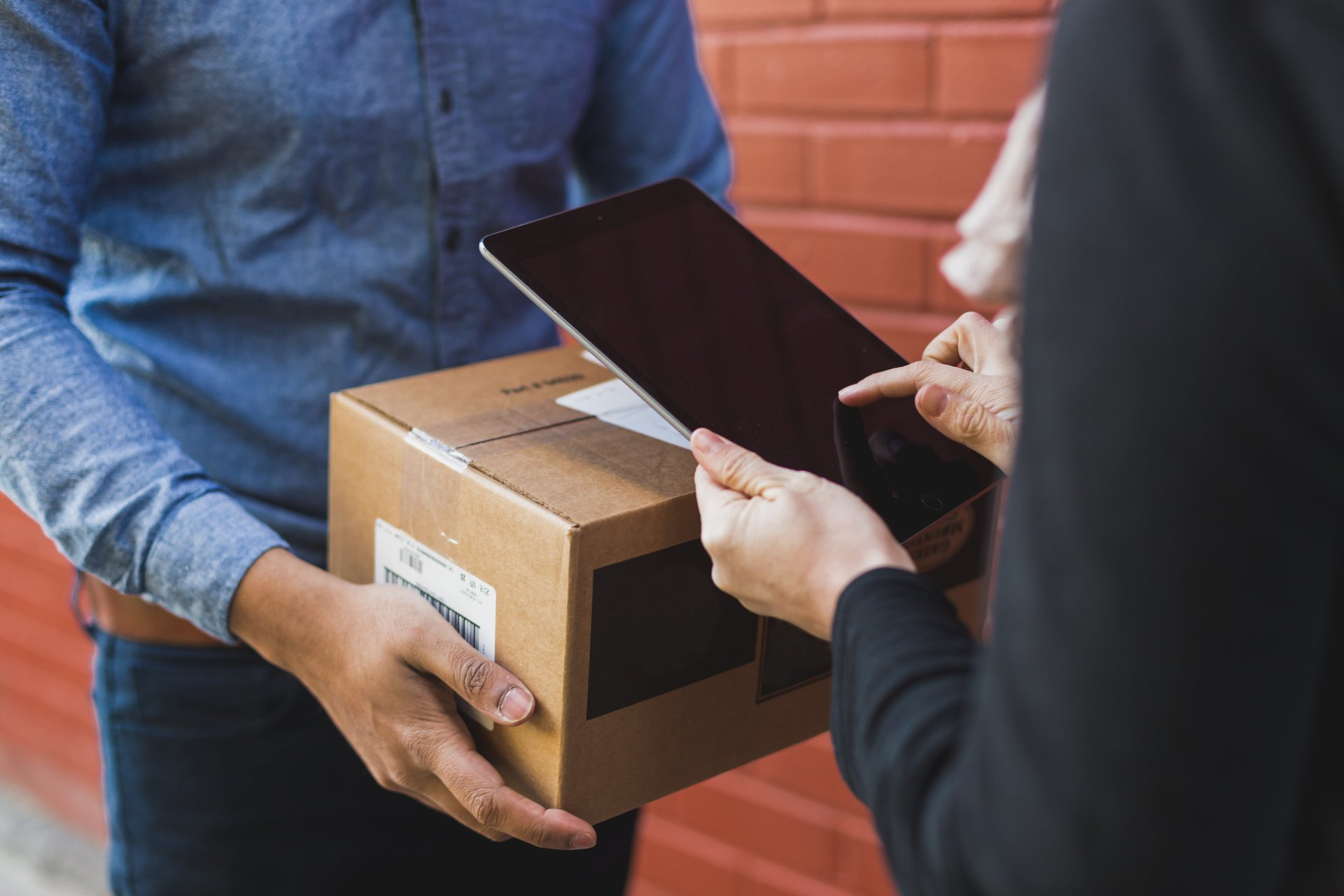 Electronic Proof of Delivery (ePOD): How Does It Improve Logistics Operations