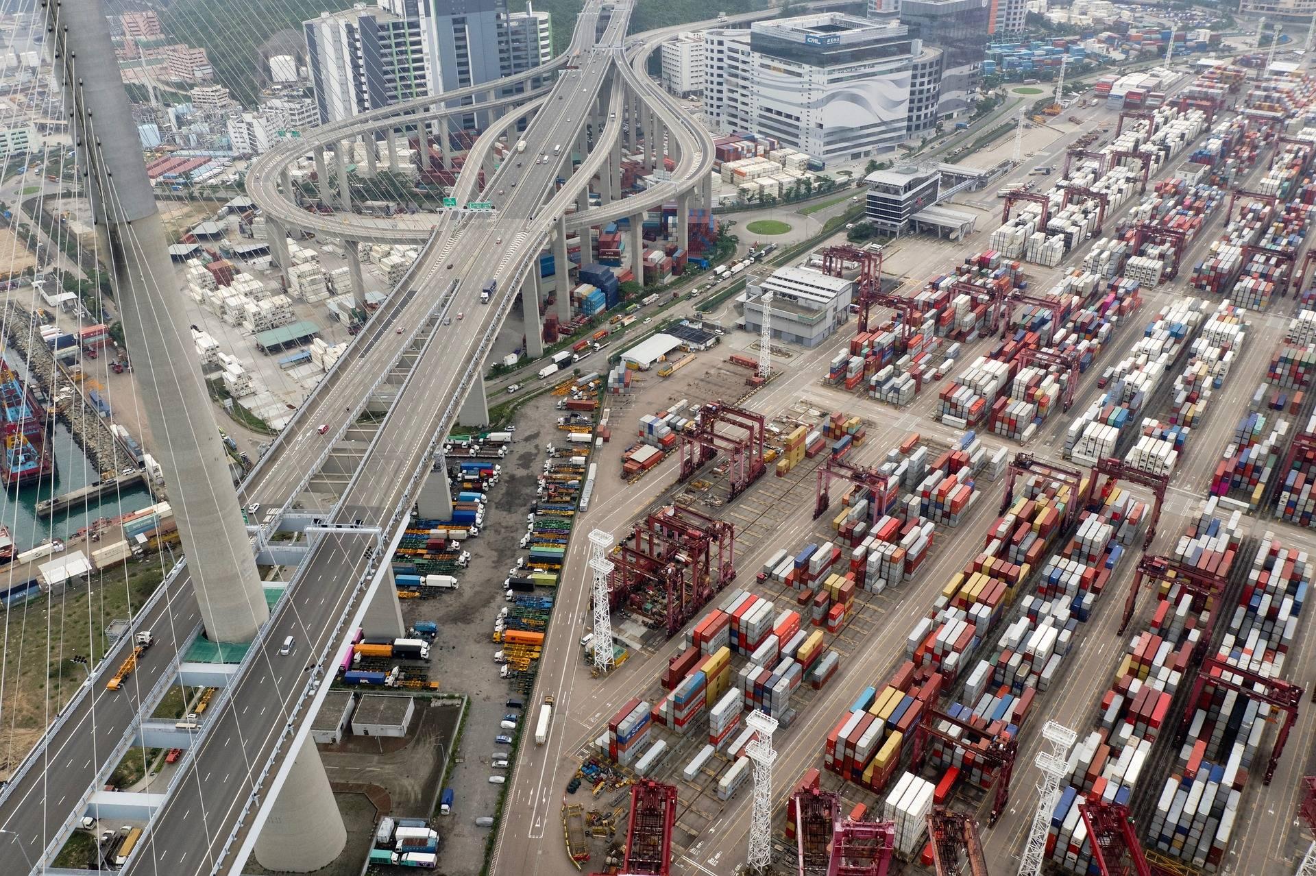 Last-Mile Delivery Logistics: Problems & Solutions