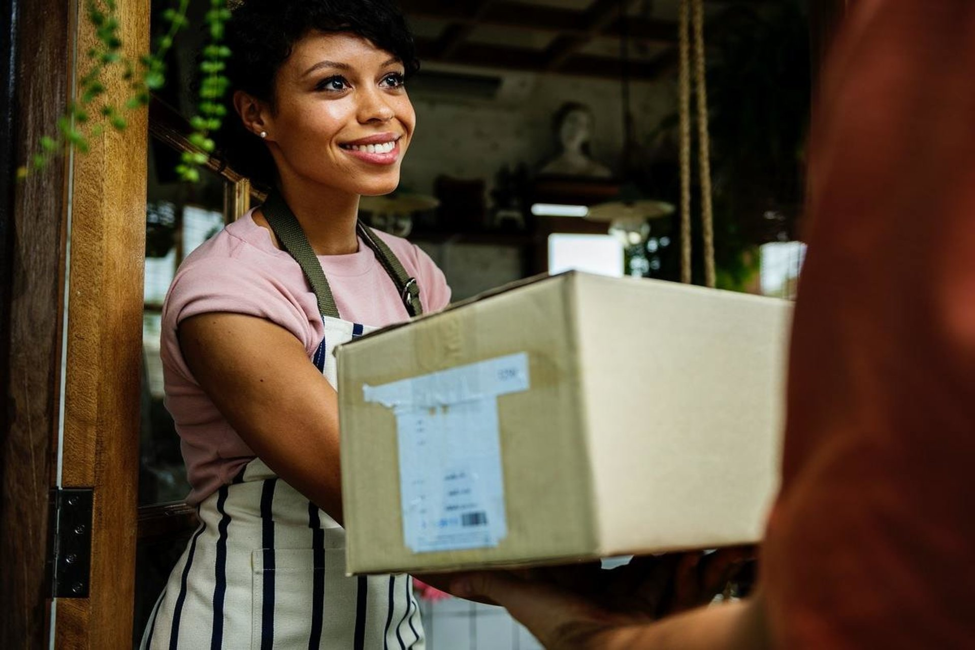 7 Ways Delivery Management Software Boosts Customer Experience